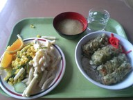 Tikuwa_don_salad_set_gakushoku